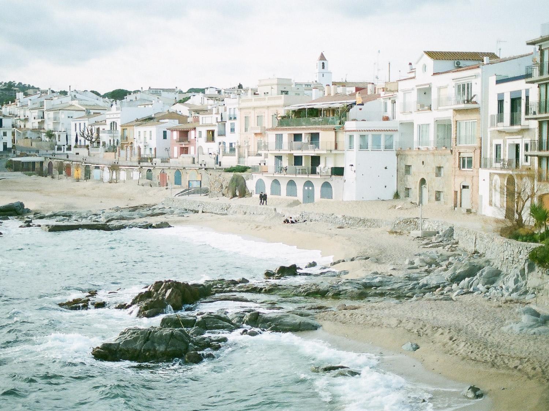 bord de mer d'un village cotier de la Costa brava